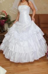 Продаётся свадебное платье  для невысокой невесты.